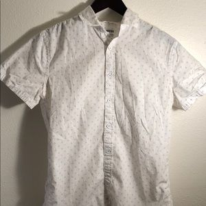 A fitting Express button up